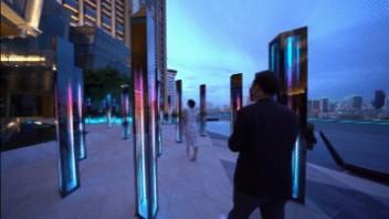 逛街不再无聊!探索广场上的互动魔法黑科技