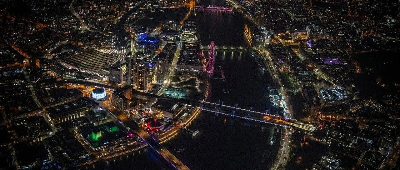 【545】建筑景观|全长3.2英里,世界最长的公共艺术作品点亮伦敦大动脉