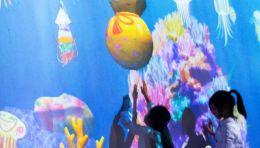 你描绘的鱼儿要畅游世界多地了!teamLab上海作品《彩绘海洋》推出全新参观体验